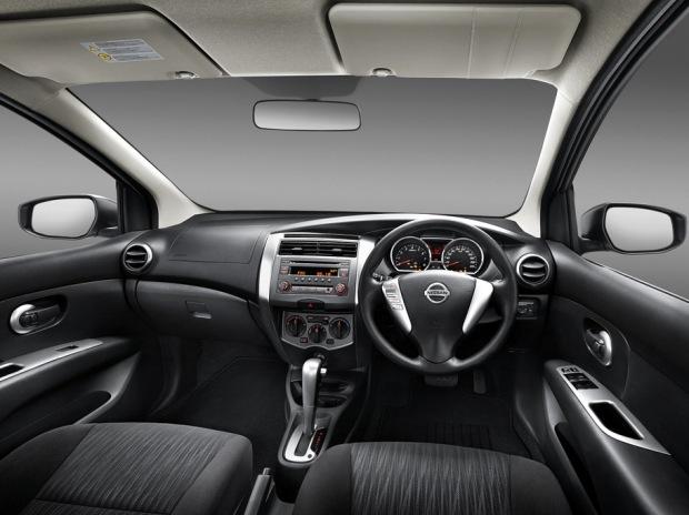 08-new-x-gear_new-interior