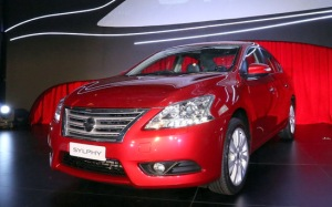 pic-11-launch-of-the-all_new-sylphy_cayenne-red