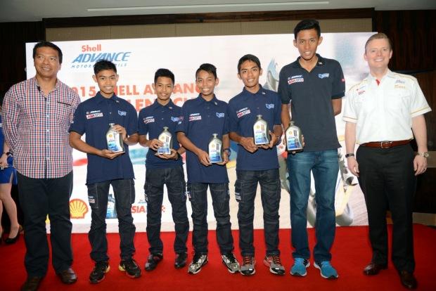 (L-R) SIC CEO Dato' Razlan Razali, Adam Norrodin, Azroy Anuar, Helmi Azman, Shafiq Rasol, Fakhrusy Rostam and Shell Lubricants GM SE Cluster Troy Chapman