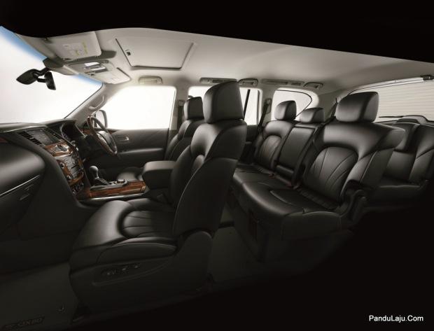 QX80 interior 2