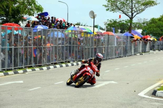 Tengku Amirul during the race in Batu Kawan 2