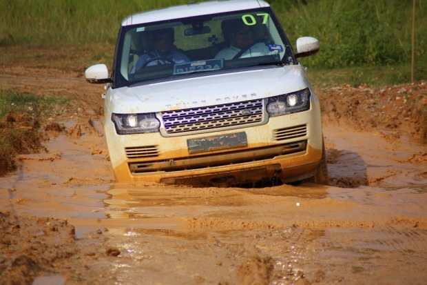 A Range Rover Vogue is very much at home in the rough as it is in the city