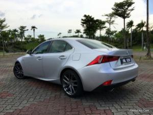Lexus_IS_200t_F_Sport_Pandulajudotcom_27